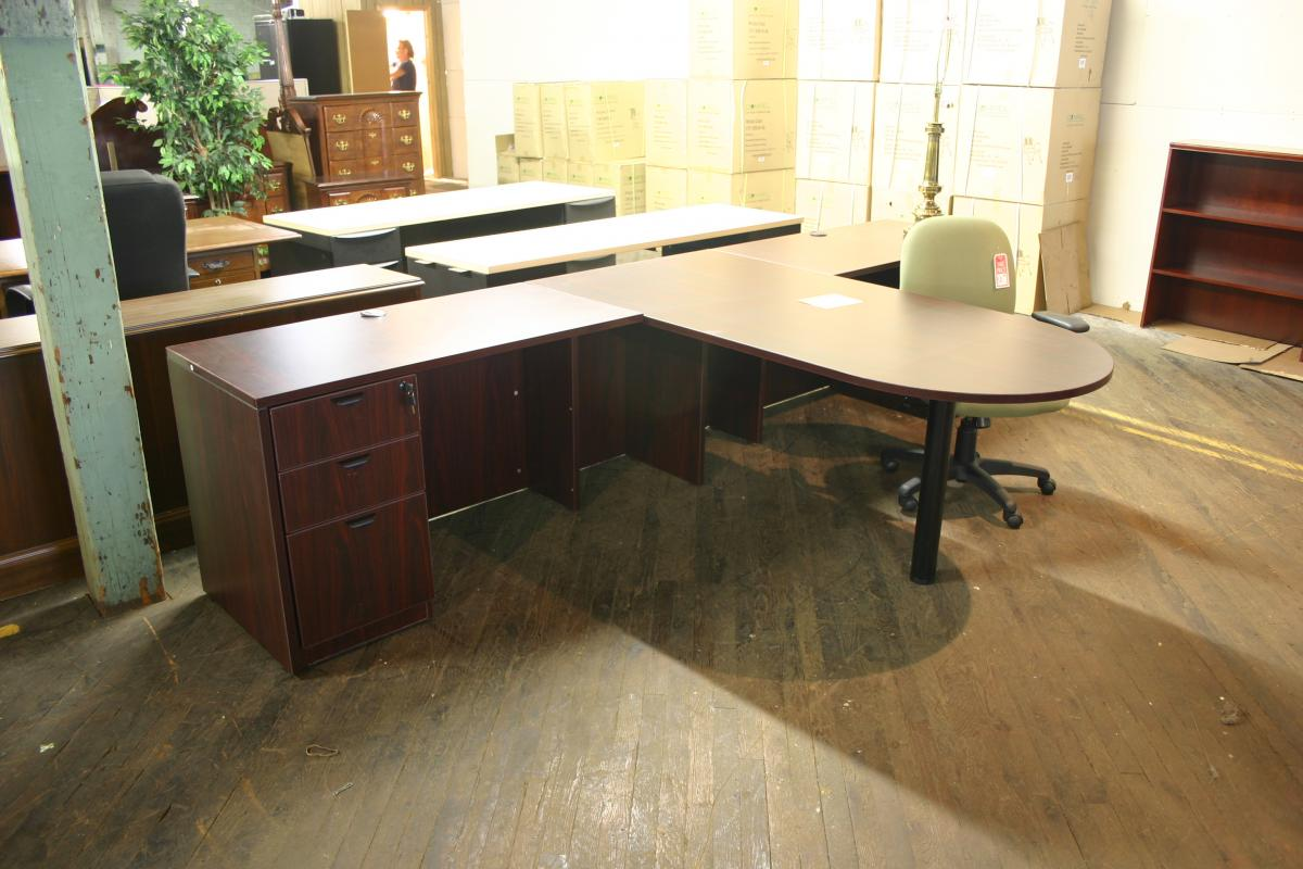 Compel Peninsula L Shape Desk