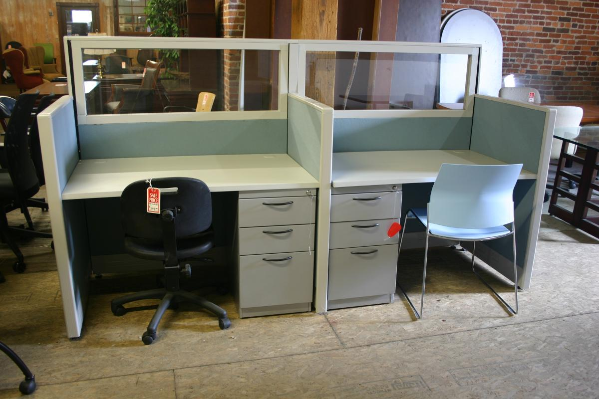 Hyer Closeout workstations