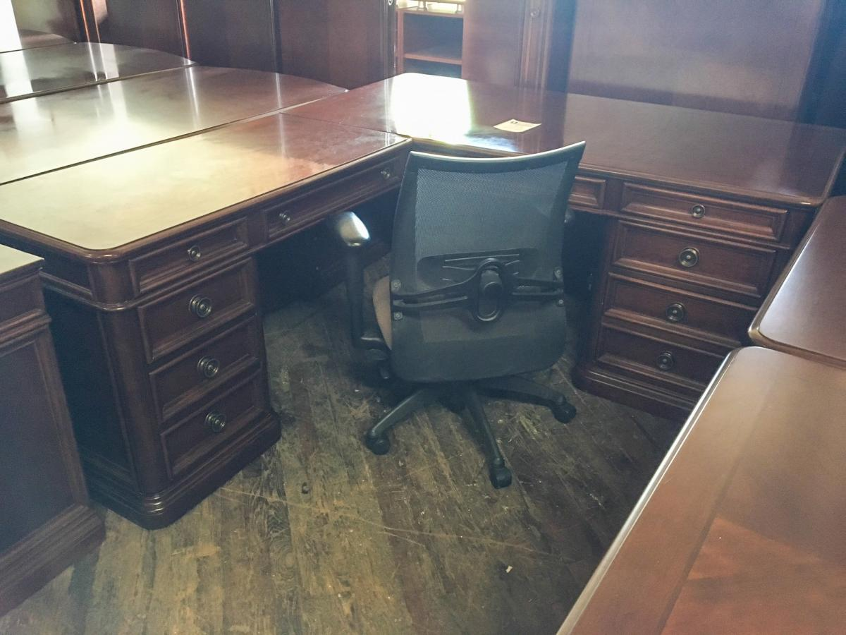 USED Flexsteel Walden Series - Executive L Desk