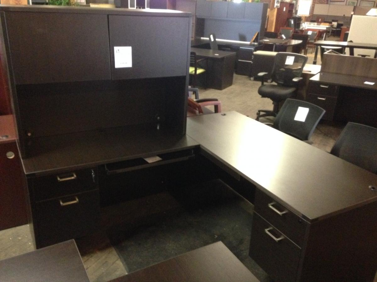 Cherryman L Desk with Hutch